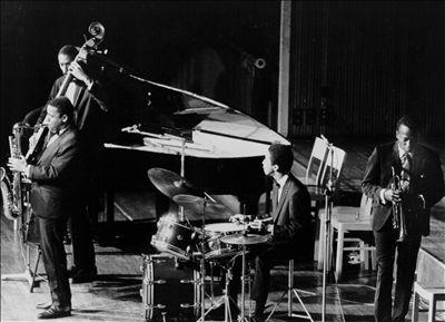 The Miles Davis Sextet - Videos and Albums - VinylWorld
