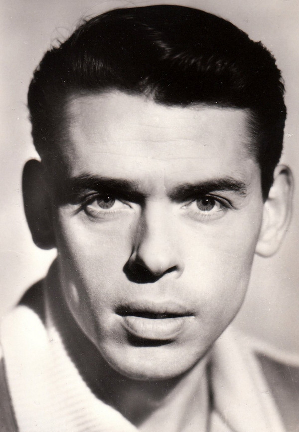 Jacques Brel - Videos and Albums - VinylWorld